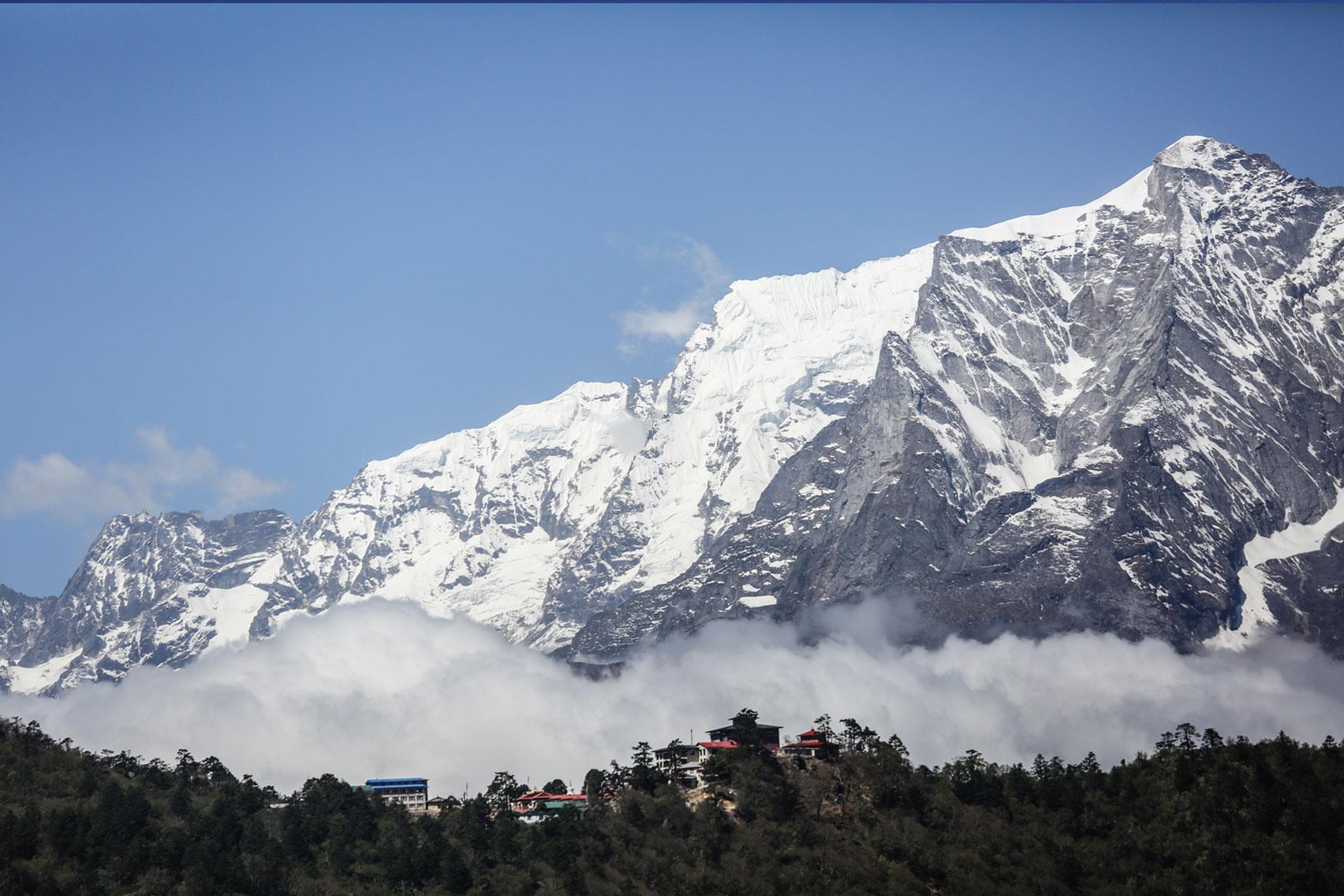 Day 6: Trek from Namche Bazaar (3445m) to Tengboche (6hrs, 3860m)