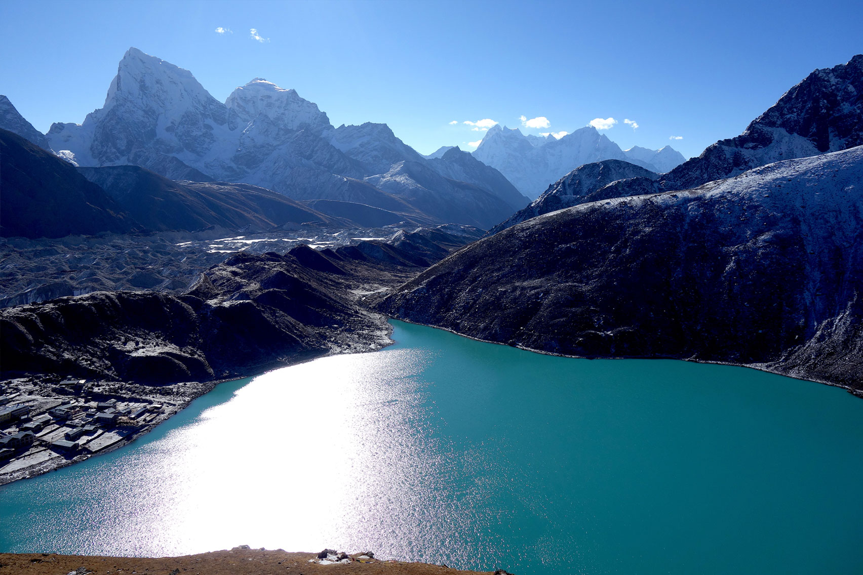 Day 10: Ascent of Gokyo Ri and back to Gokyo (4hrs, 5483m)